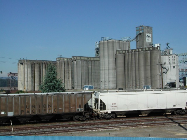 Union Pacific Train & Grain Terminal